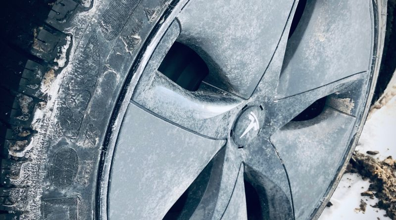 Tesla Model 3 - Winter and snow tires
